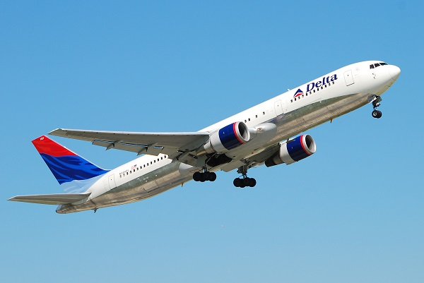 delta-airlines-plane