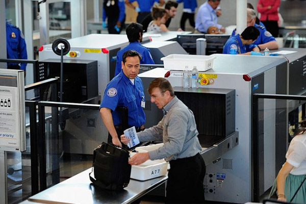 Delta-Airlines-Check-In-And-Security